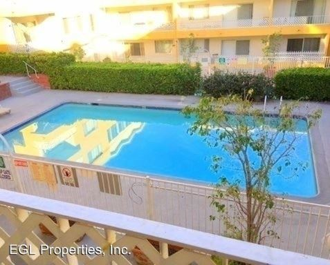 1 Bedroom 1 Bathroom Apartment for rent at 7225 Hollywood Blvd.- 7235 Hollywood Blvd. in Los Angeles, CA