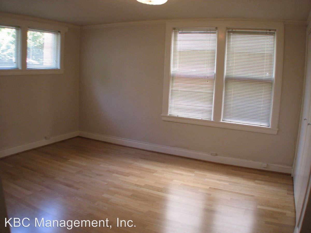 1 Bedroom 1 Bathroom Apartment for rent at 2030 Nw Marshall St in Portland, OR