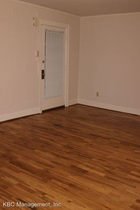 Studio 1 Bathroom Apartment for rent at 708 Nw 20th Ave in Portland, OR