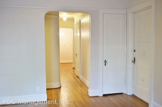 1 Bedroom 1 Bathroom Apartment for rent at 708 Nw 20th Ave in Portland, OR