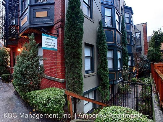 1 Bedroom 1 Bathroom Apartment for rent at 814 Nw 22nd Ave in Portland, OR