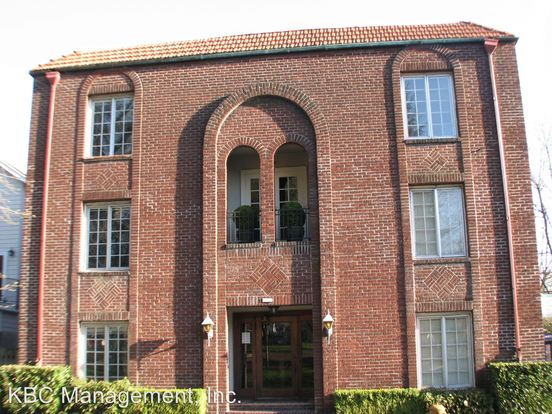 1 Bedroom 1 Bathroom Apartment for rent at 2503 Nw Raleigh St in Portland, OR