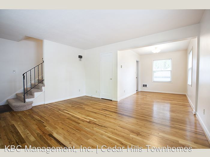 2 Bedrooms 1 Bathroom Apartment for rent at 10221 Sw Eastridge St in Portland, OR