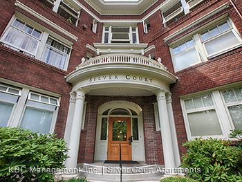 1 Bedroom 1 Bathroom Apartment for rent at 2170 Ne Hancock St in Portland, OR