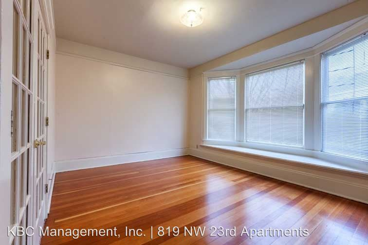2 Bedrooms 1 Bathroom Apartment for rent at 819 Nw 23rd Ave in Portland, OR