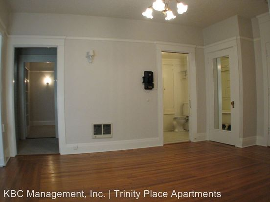 1 Bedroom 1 Bathroom Apartment for rent at 117 Nw Trinity Pl in Portland, OR
