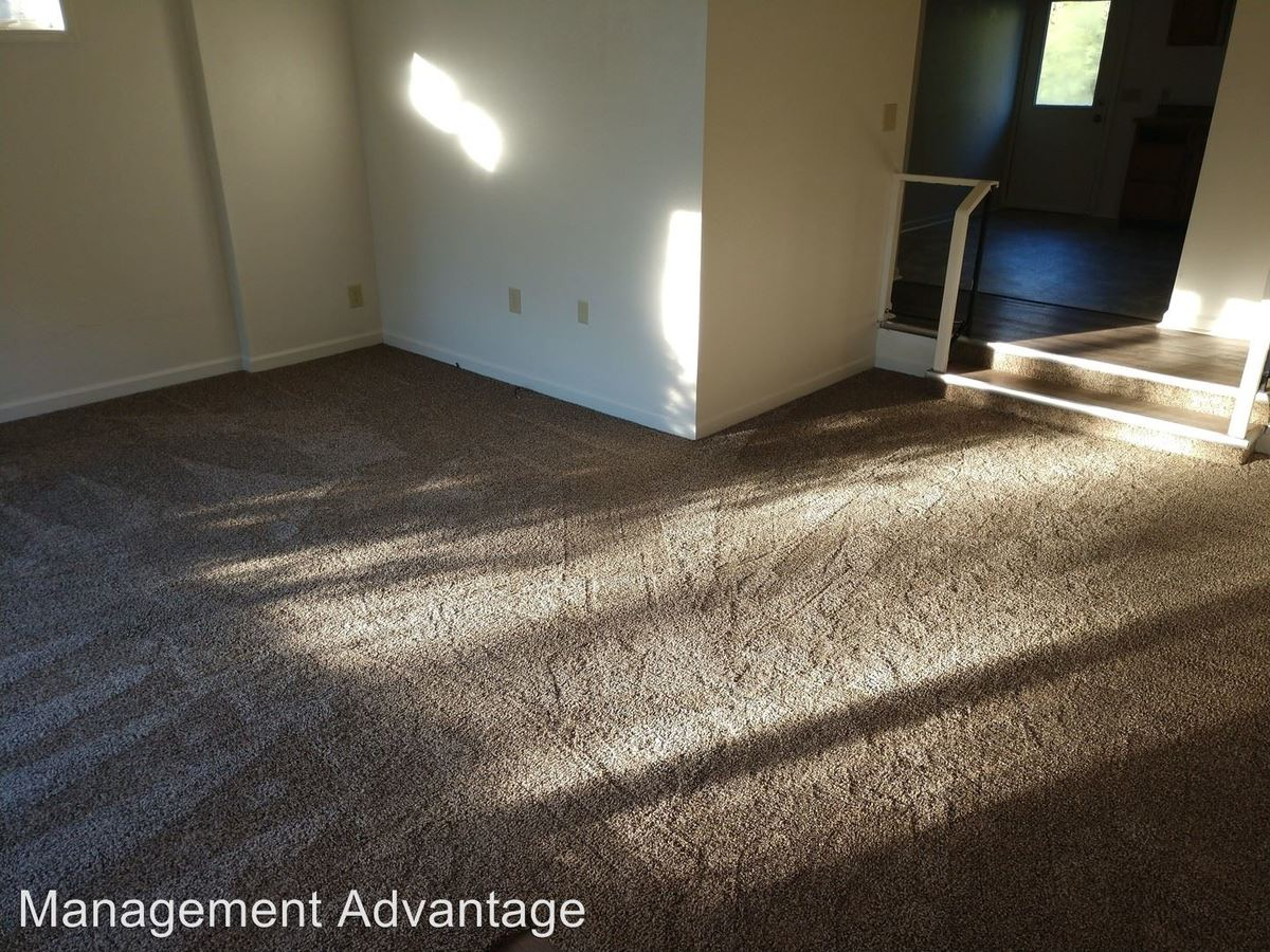 2 Bedrooms 1 Bathroom Apartment for rent at 2800 S College Ave in Rensselaer, IN