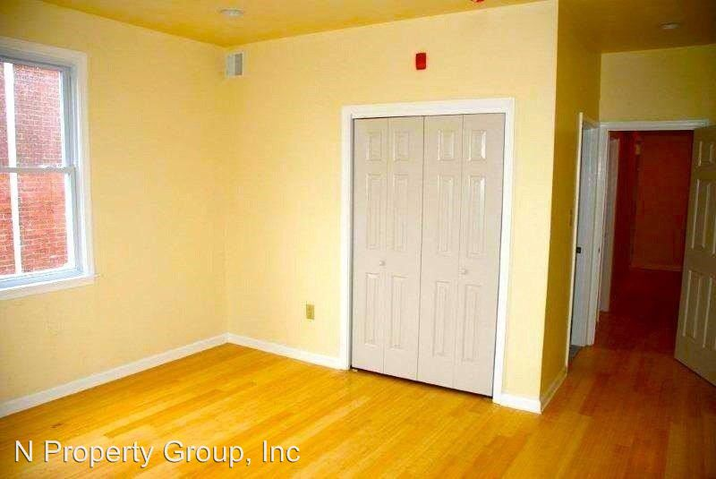 4 Bedrooms 2 Bathrooms Apartment for rent at 1524 N 17th in Philadelphia, PA