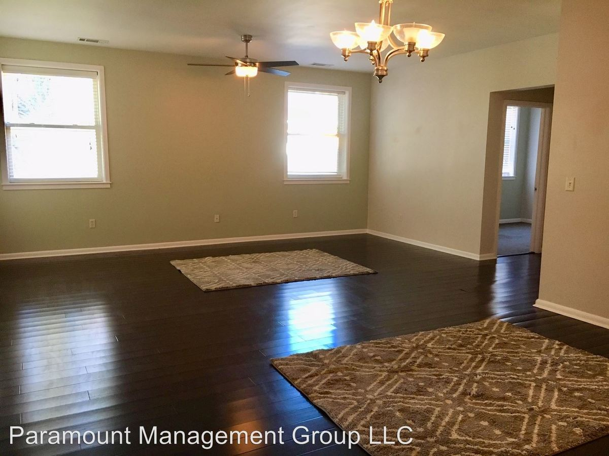 3 Bedrooms 1 Bathroom Apartment for rent at 2 Percy St in Charleston, SC