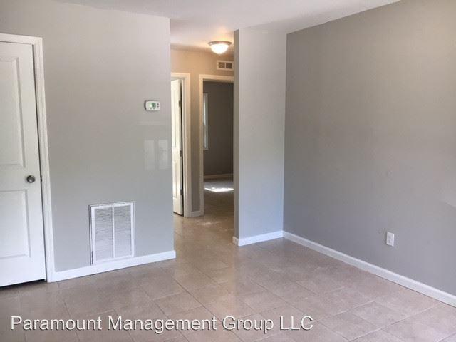 2 Bedrooms 1 Bathroom Apartment for rent at 4003 S Rhett Avenue in North Charleston, SC