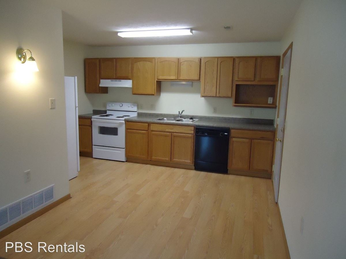 2 Bedrooms 1 Bathroom Apartment for rent at 1080 20th Street in Crete, NE