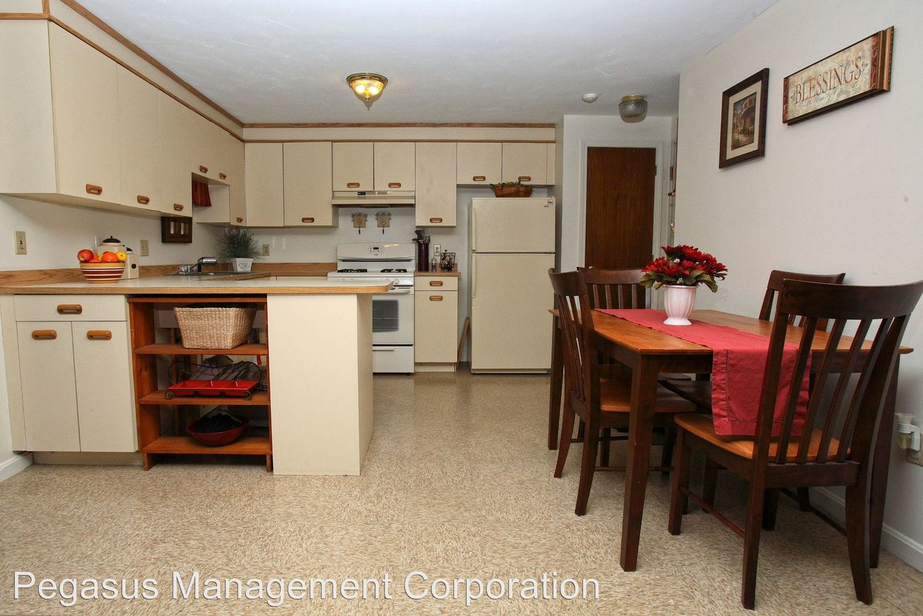 2 Bedrooms 1 Bathroom Apartment for rent at 310-312 Route 27 in Raymond, NH