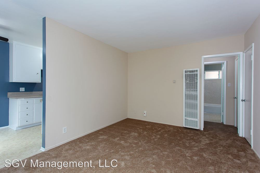 1 Bedroom 1 Bathroom Apartment for rent at 500-502 Orange Ave in Long Beach, CA