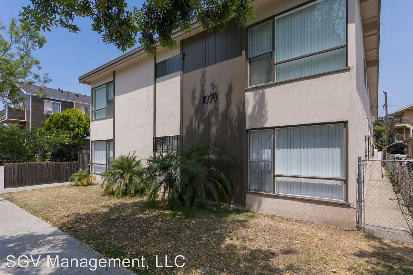 2 Bedrooms 1 Bathroom Apartment for rent at 1070 Stanley Ave in Long Beach, CA