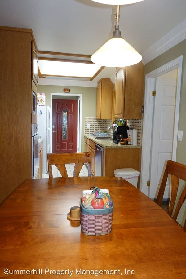 3 Bedrooms 2 Bathrooms Apartment for rent at 2107 Fallen Leaf Lane & 1700 Marhsall Court in Los Altos, CA