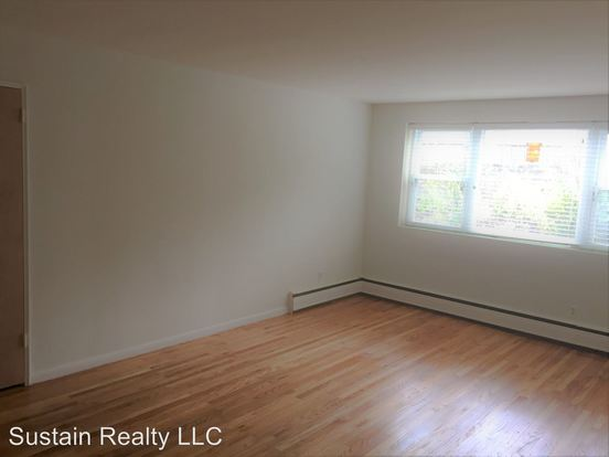 2 Bedrooms 1 Bathroom Apartment for rent at 1621 Old York Road in Abington, PA