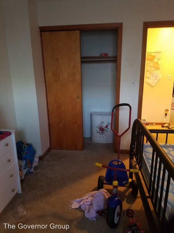 2 Bedrooms 1 Bathroom Apartment for rent at 2217 Muscatine Ave in Iowa City, IA