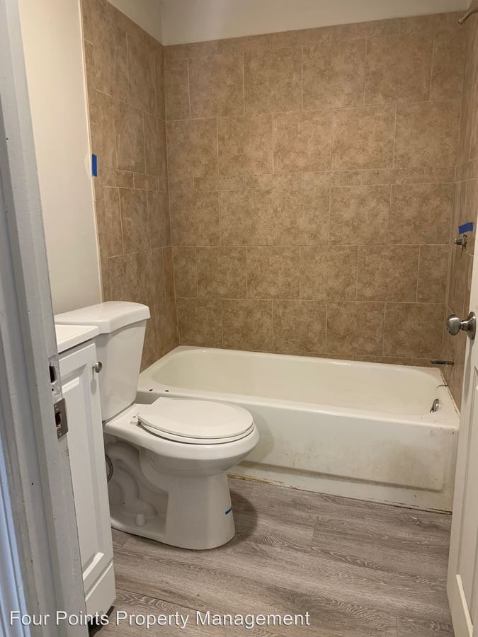 Studio 1 Bathroom Apartment for rent at 31-39 Aiken Ave in Lowell, MA