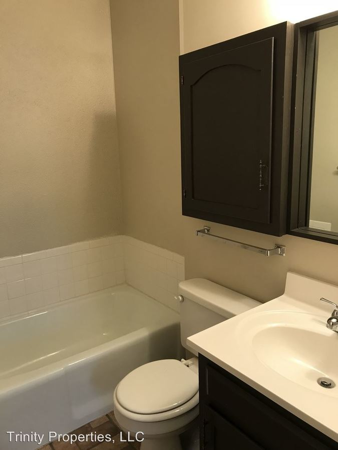2 Bedrooms 2 Bathrooms Apartment for rent at 2214 Sw 29th Terr. in Topeka, KS