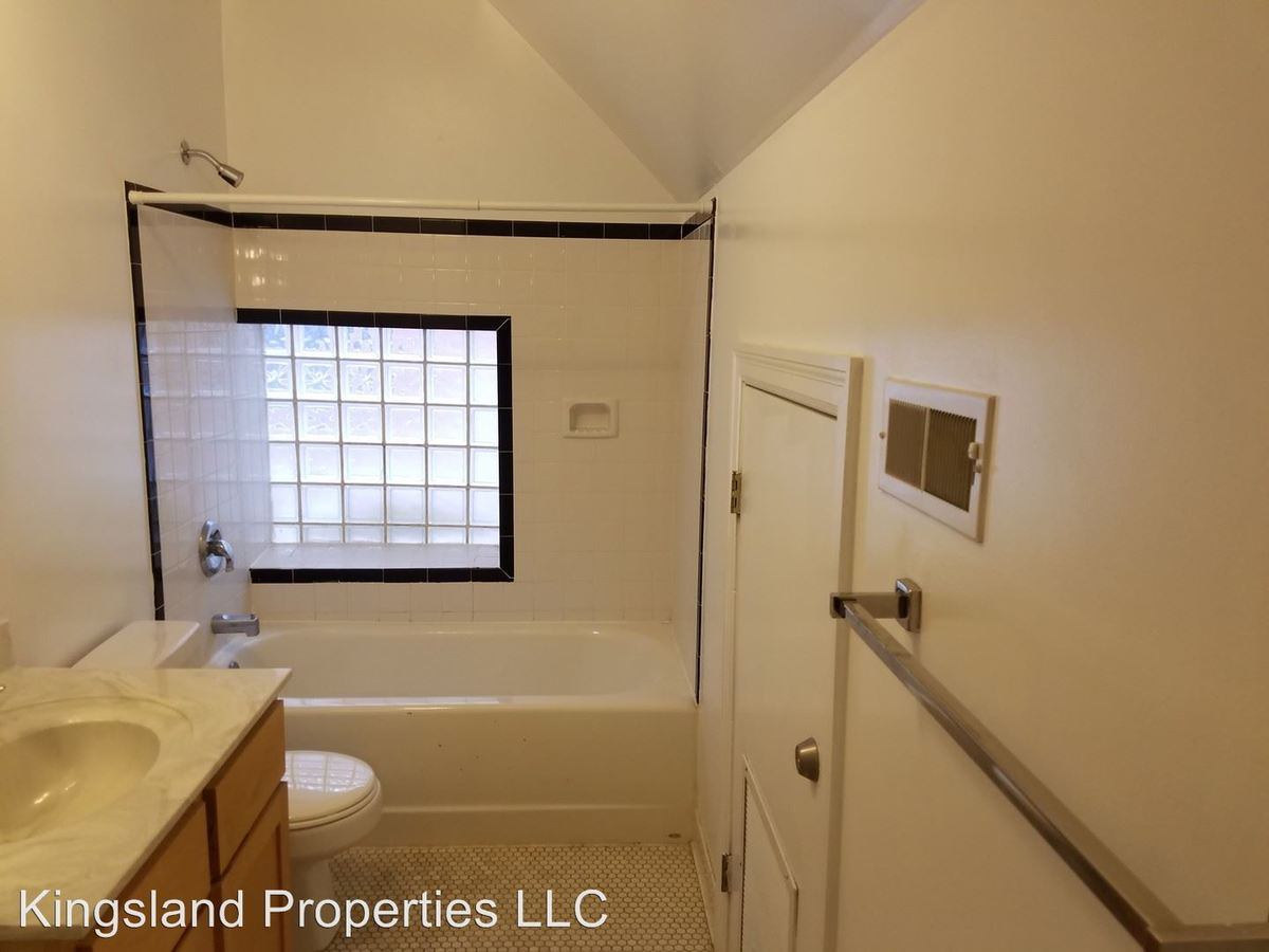 1 Bedroom 1 Bathroom Apartment for rent at 3805 Lindell Blvd in St Louis, MO