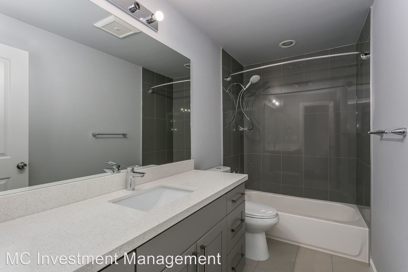 2 Bedrooms 1 Bathroom Apartment for rent at 1500 16th Avenue in Seattle, WA