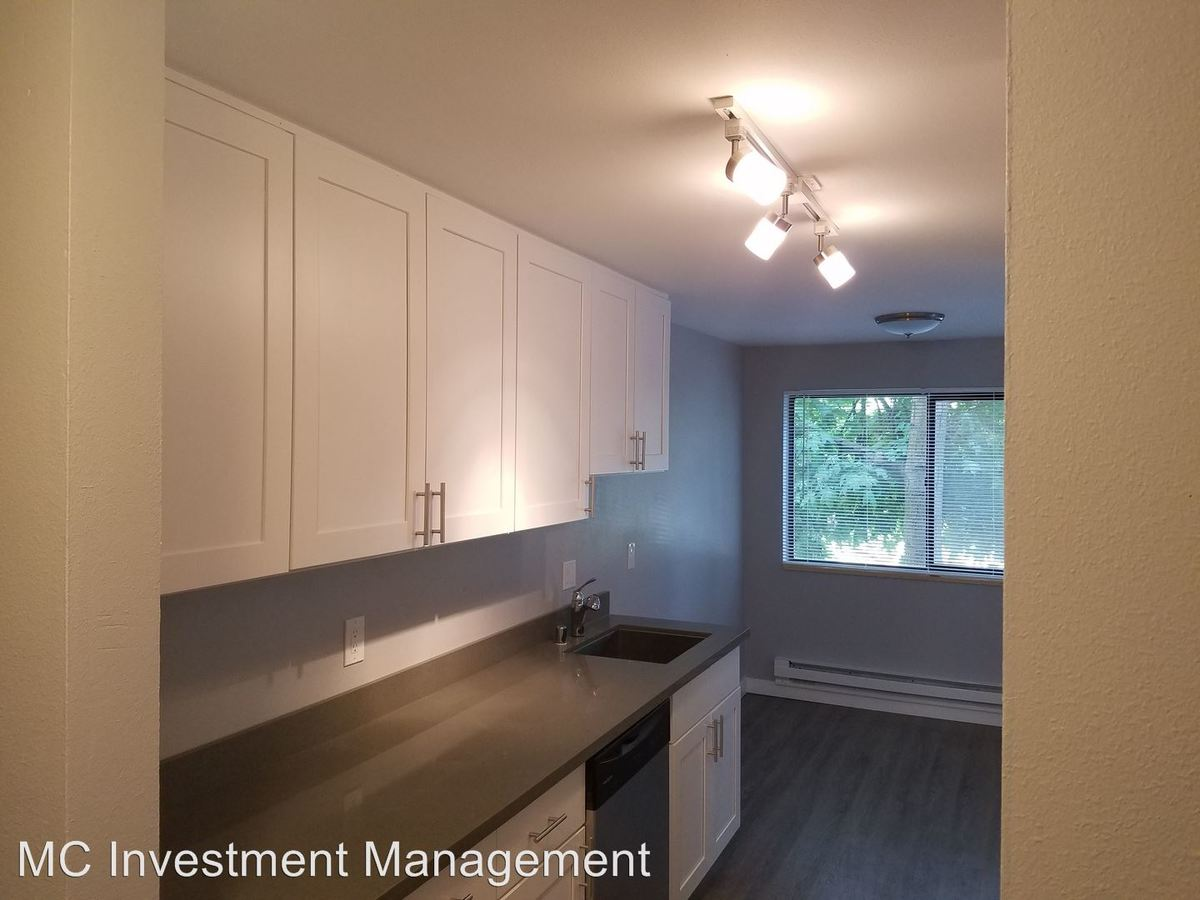 3 Bedrooms 2 Bathrooms Apartment for rent at 2121 E Jefferson St in Seattle, WA