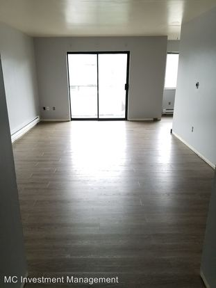 2 Bedrooms 1 Bathroom Apartment for rent at 2121 E Jefferson St in Seattle, WA