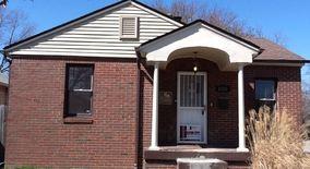 Similar Apartment at 1430 N Gladstone Ave