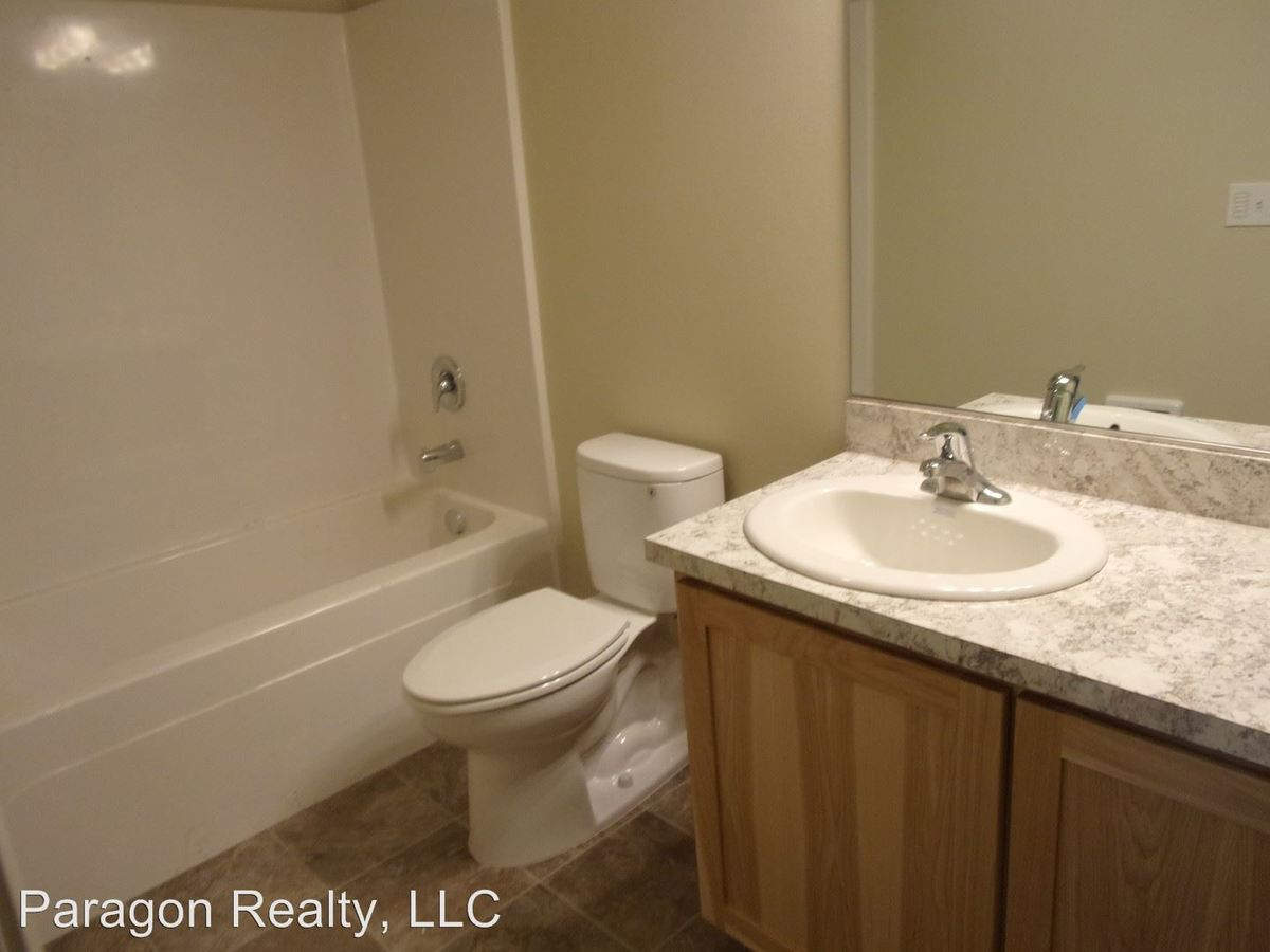 5 Bedrooms 4+ Bathrooms Apartment for rent at 905 Nw 29th St. in Corvallis, OR