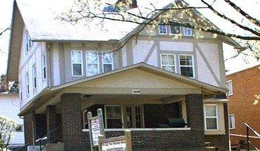 Similar Apartment at 1996 Indianola Ave.