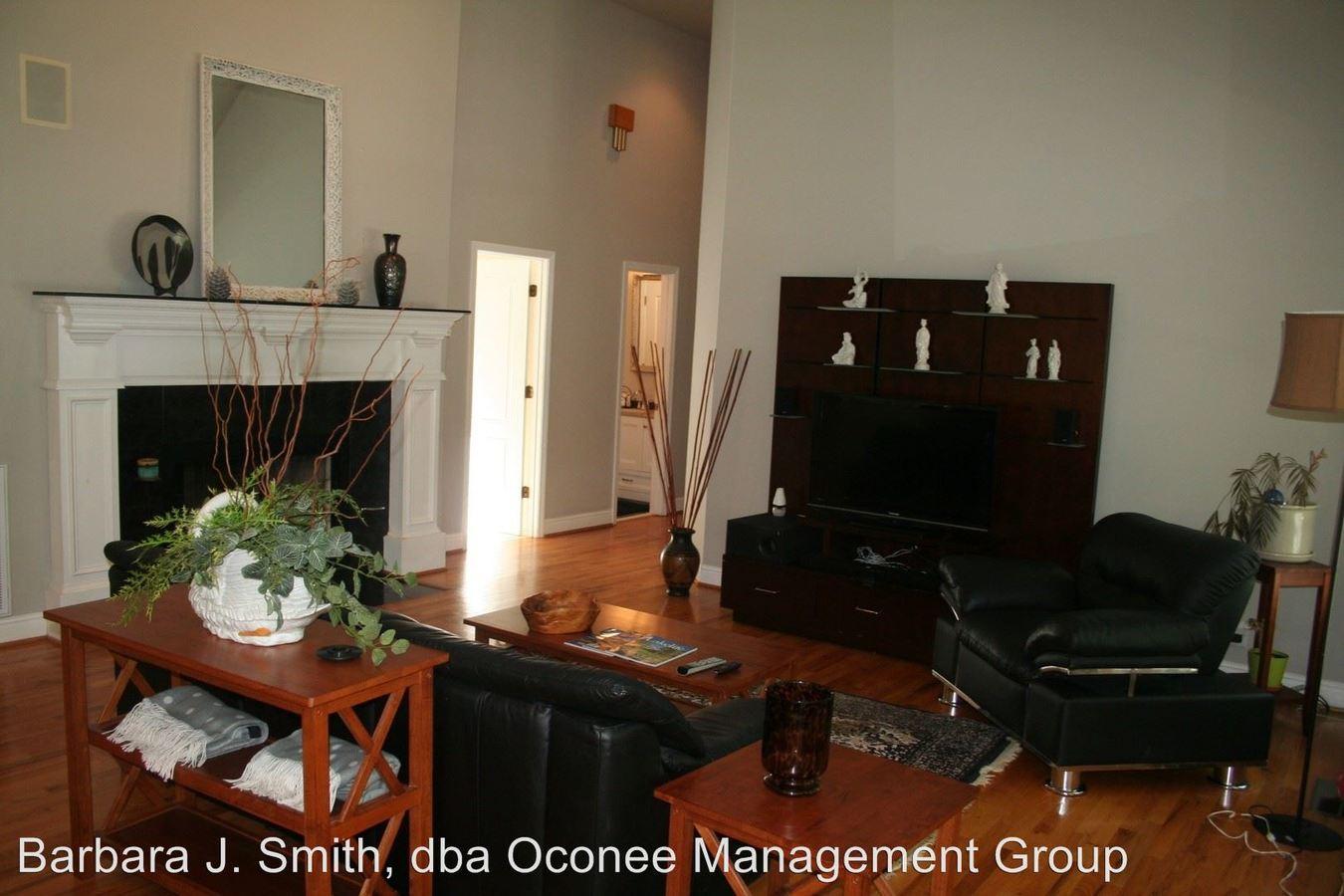 3 Bedrooms 2 Bathrooms Apartment for rent at 149 Cedar Cove Drive in Lake Oconee Putnam County, GA