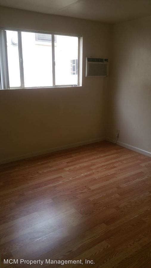 1 Bedroom 1 Bathroom Apartment for rent at 1819 N Ivar Ave in Los Angeles, CA
