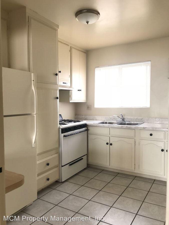 Studio 1 Bathroom Apartment for rent at 5855 Carlton Way in Los Angeles, CA