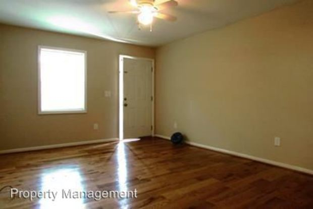 2 Bedrooms 1 Bathroom Apartment for rent at 5832 5834 5846 5848 5875 5877 5887 5889 Lone Oak Drive in Mableton, GA