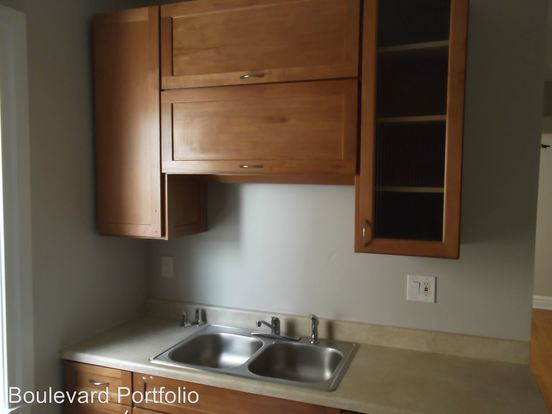 3 Bedrooms 1 Bathroom Apartment for rent at 1123 N. Christiana in Chicago, IL