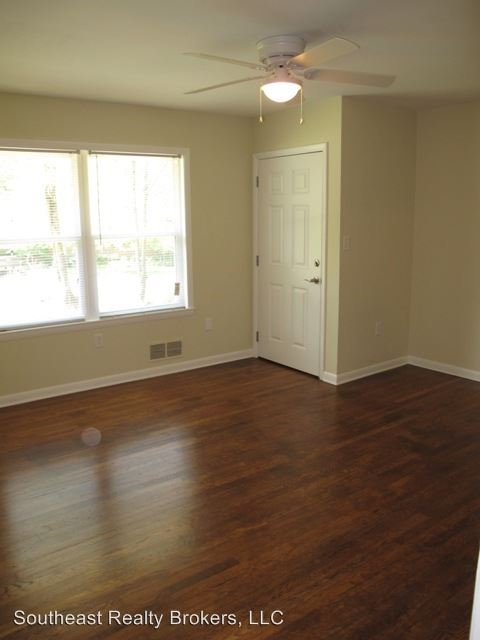 2 Bedrooms 1 Bathroom Apartment for rent at 60 Caroline Avenue in Athens, GA