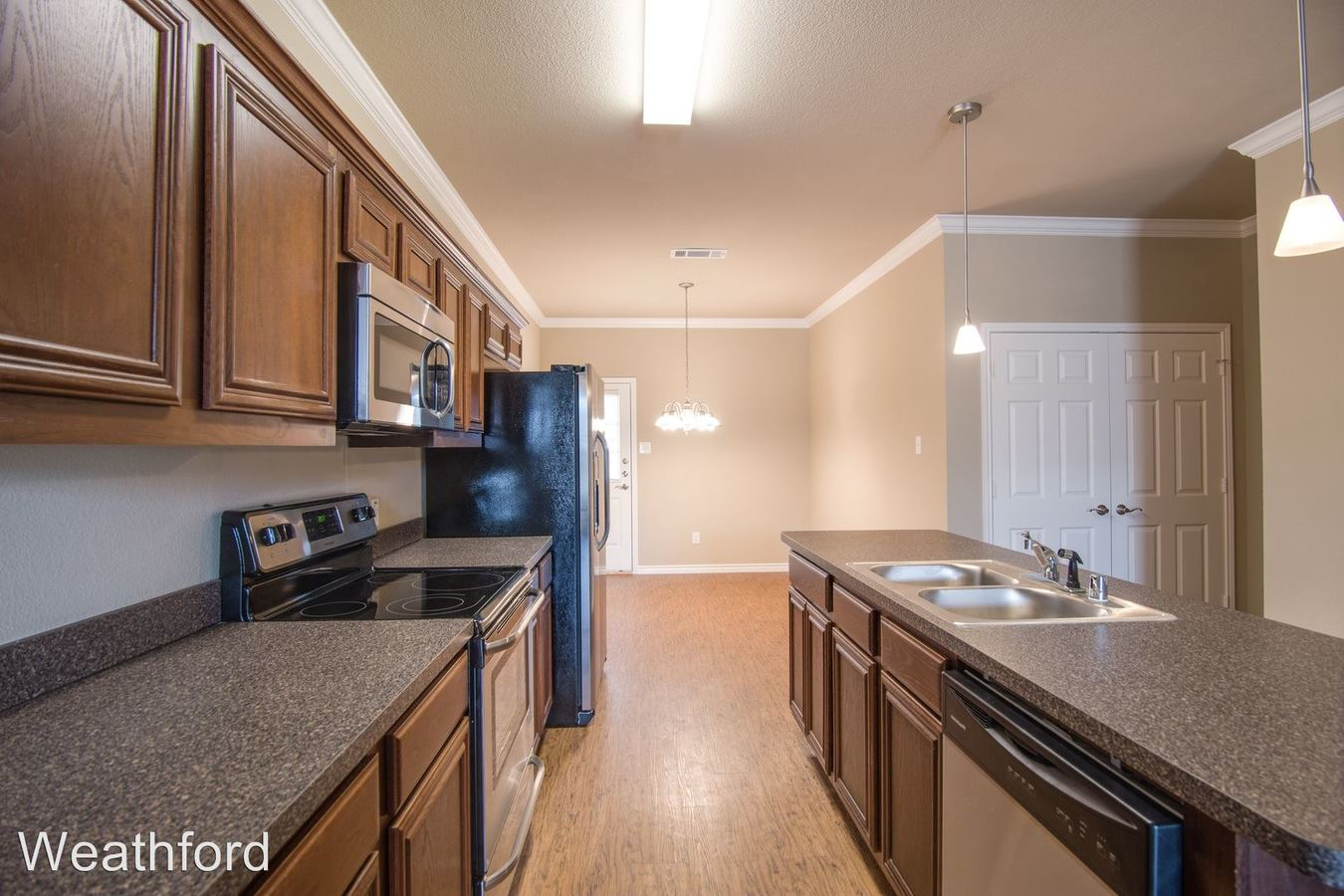 3 Bedrooms 2 Bathrooms Apartment for rent at Newcastle Dr. in Weatherford, TX
