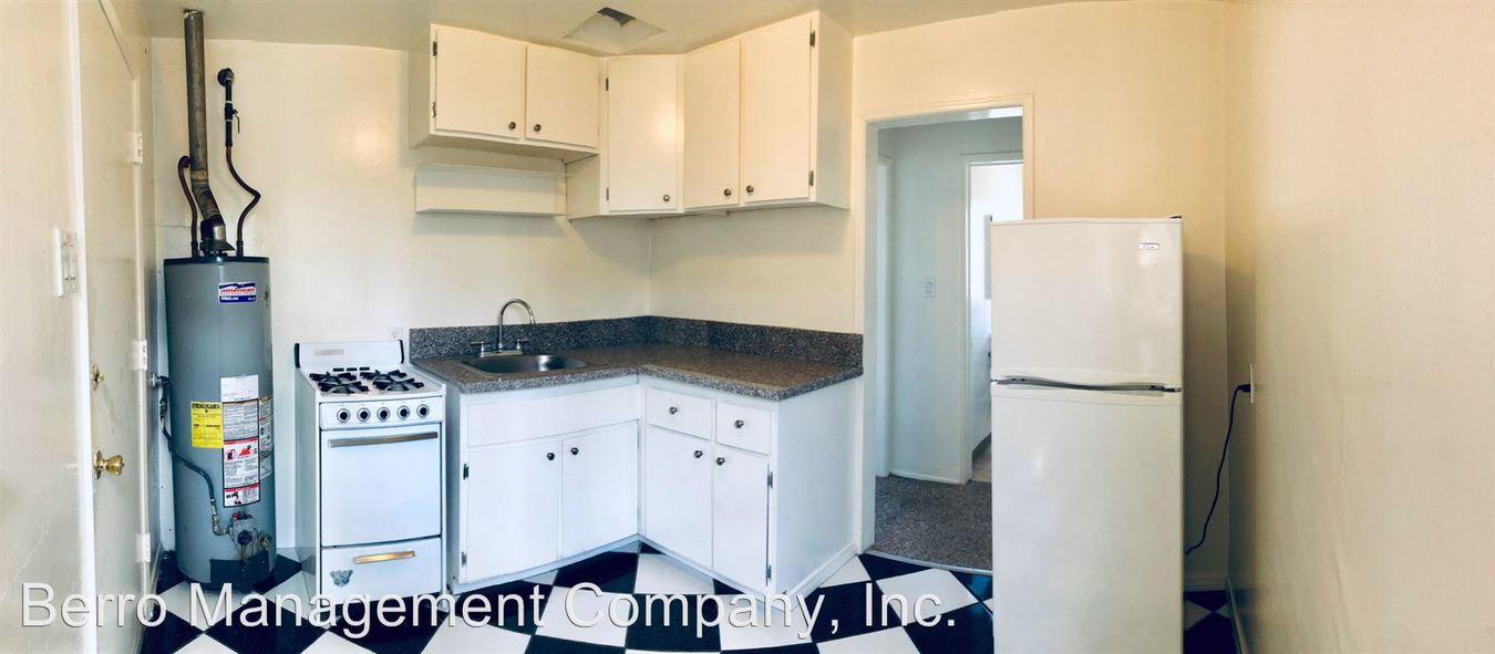 Studio 1 Bathroom Apartment for rent at 1017 Pacific Ave in Long Beach, CA