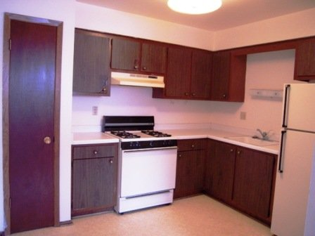 1 Bedroom 1 Bathroom Apartment for rent at 2920 W Highland Blvd in Milwaukee, WI