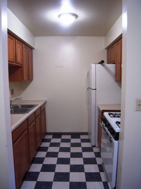2 Bedrooms 1 Bathroom Apartment for rent at Juneau Gardens in Milwaukee, WI