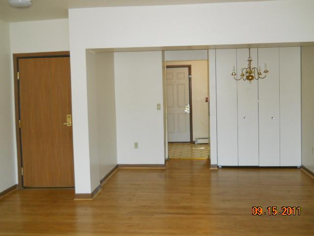 2 Bedrooms 1 Bathroom Apartment for rent at 2733 W Kilbourn Avenue in Milwaukee, WI