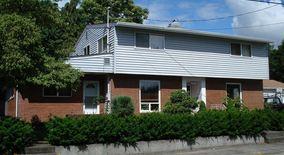 Similar Apartment at 1651 Ne Garfield St