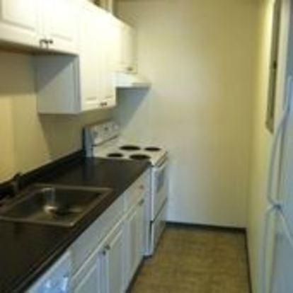 Studio 1 Bathroom Apartment for rent at 1617 E Jefferson St in Seattle, WA