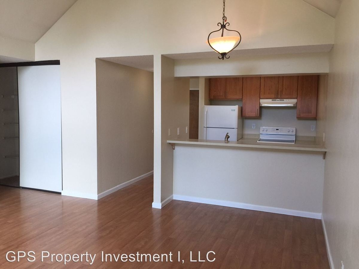 2 Bedrooms 1 Bathroom Apartment for rent at 1309 Creekside Drive in Walnut Creek, CA