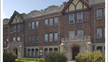 Similar Apartment at 1807-09 E Olive St