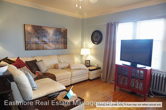 1 Bedroom 1 Bathroom Apartment for rent at 903 E. Kilbourn Avenue in Milwaukee, WI