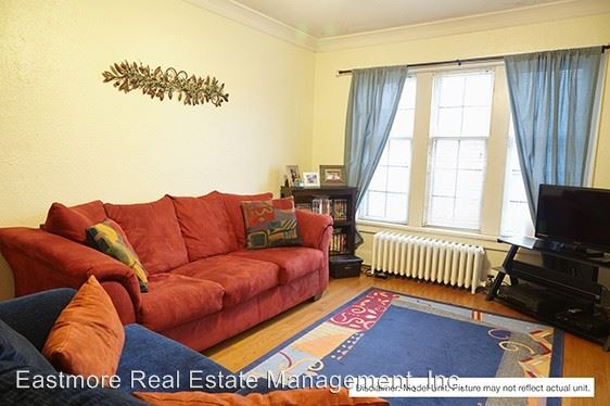 2 Bedrooms 1 Bathroom Apartment for rent at 2556 N. Murray Ave. in Milwaukee, WI