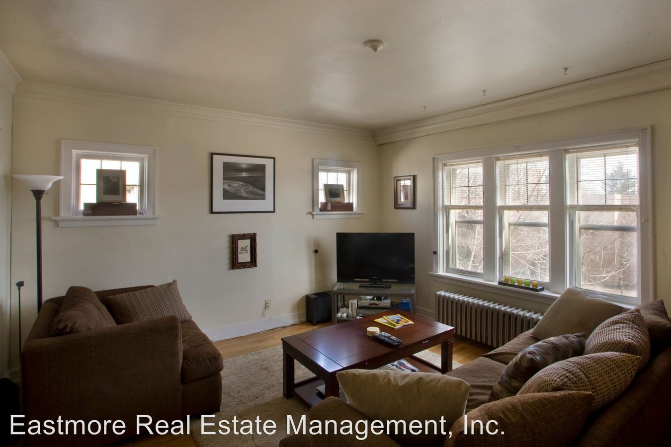 1 Bedroom 1 Bathroom Apartment for rent at 3825 N. Oakland Avenue in Shorewood, WI