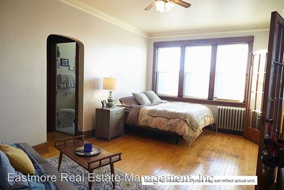 Studio 1 Bathroom Apartment for rent at 1622-32 E. Irving Pl. in Milwaukee, WI