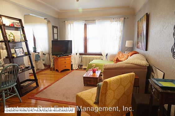 2 Bedrooms 1 Bathroom Apartment for rent at 1428 E. Capitol Drive in Milwaukee, WI